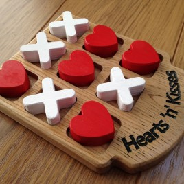Noughts & Crosses (Hearts & Kisses Version)